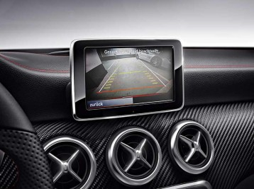 Установка камеры заднего вида Mercedes-Benz CLA-Class C117/X117