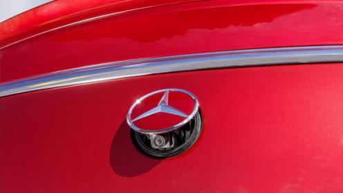 Купить и установить камеру заднего вида для Mercedes-Benz