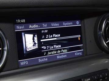 Музыка и видео с USB флешки на Mercedes-Benz SLK-Class (R172)