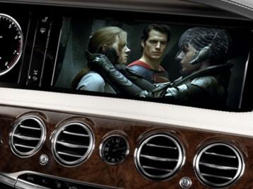 Просмотр видео в движении Mercedes-Benz S-Class (W222)