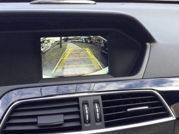 Установка камеры заднего вида Mercedes-Benz C-Сlass (W204)