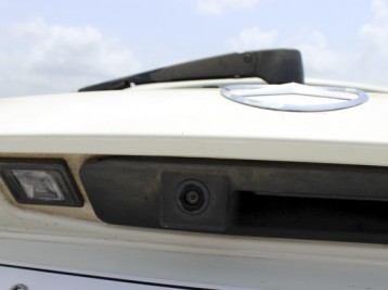 Установка камеры заднего вида Mercedes